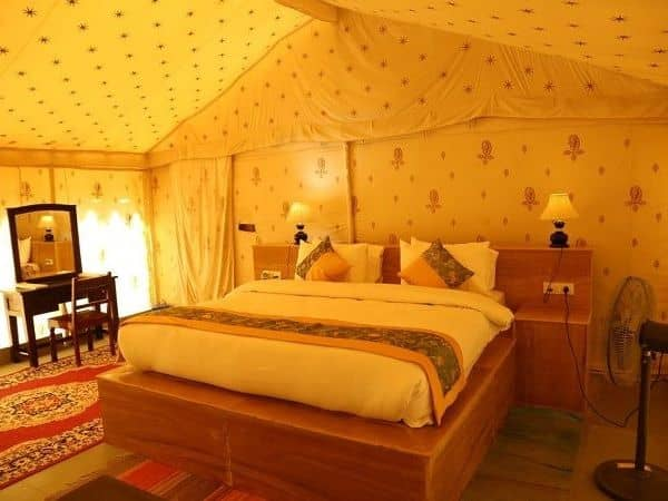luxury desert camp in jaisalmer